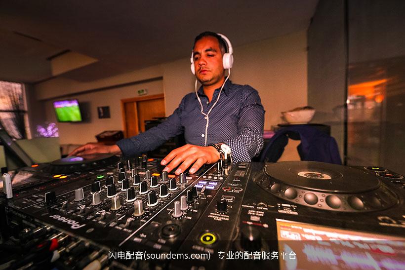 audio-audio-mixer-business-2104569.jpg